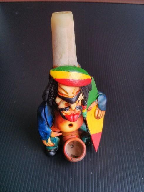 Raisin Bone Pipe - Rasta Tricolor Surf